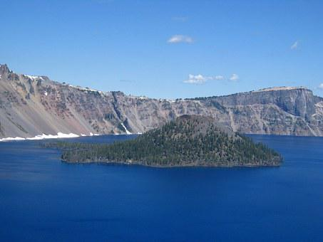 Wizard Island, Crater Lake, Cascade Mountains