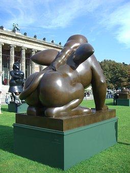Botero In Berlin, Bronze Sculpture, Pleasure Garden