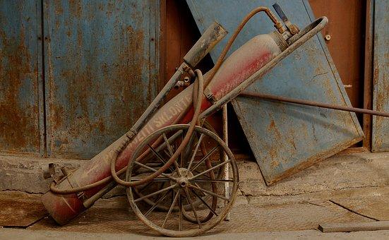 Hasičák, Fire Apparatus, Old, Rust, Rusty, Damaged