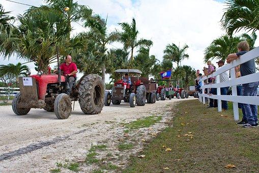 Parade, Antique Farm Equipment, Tractors, Antique