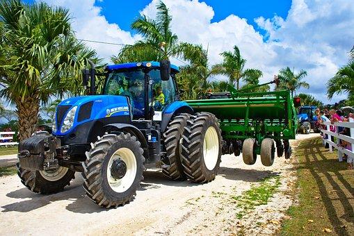 Tractor, Parade, Big, Big Machine, New Holland