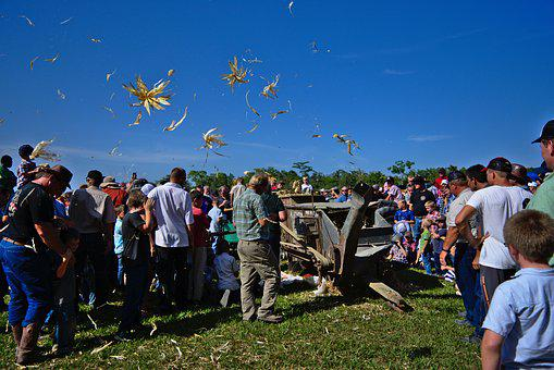 Machine, Antique Thresher, Corn Peal, People, Group