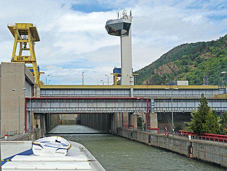Danube, Two Stage Lock, Iron Gate, Südkarparten