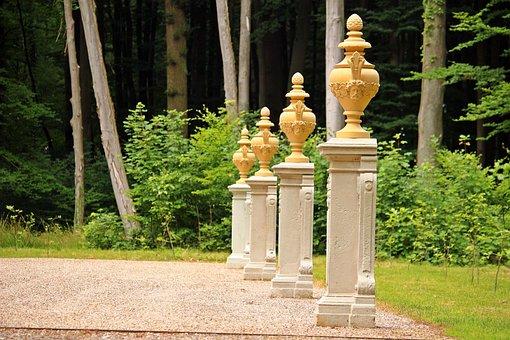 Ludwigslust-parchim, Castle Park, Kaisersaal, Vase