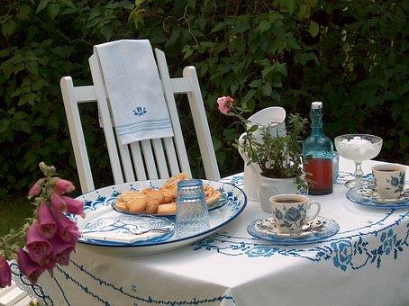 Coffee Break, Syrenberså, Garden, Summer, White