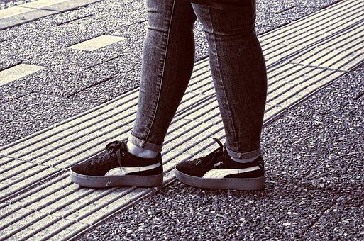 Leg, Foot, Shoe, Woman, Person, People, Sport Shoe