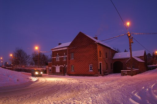 Crossroad, Winter, Dusk, Light, Car Passing