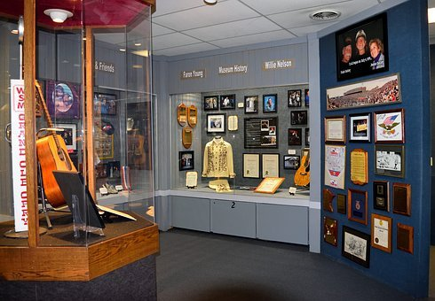 Willie Nelson, Museum, Country Music, Historic, Display