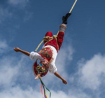 Flying Acrobat, Upside Down, Performance, Costa Maya