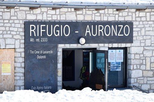 Auronzo Hut, The Three Peaks Of Lavaredo, Landscape