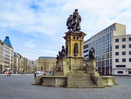 Johannes-gutenberg-monument, Frankfurt, Rossmarkt