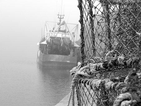 Rope, Water, Watercraft, Ship, Transportation System