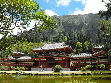 Byodo-in Temple, Valley Of The Temples, O'ahu, Hawai'i