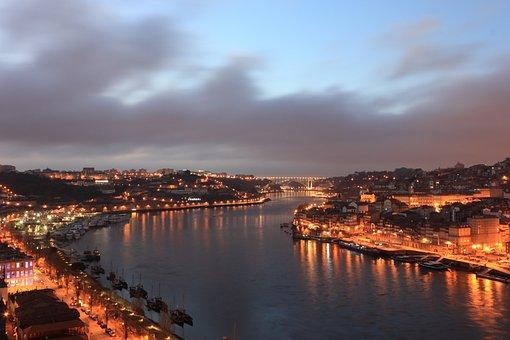 Portugal, Porto, River, Douro, Evening