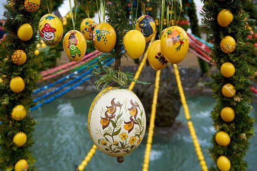 Easter Well, Bieberbach, Easter Eggs, Custom