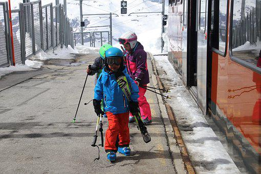 Peron, Children, Railway Station, Ski, Zermatt, Snow
