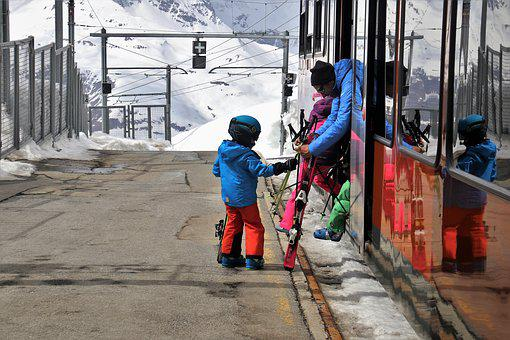 Peron, Zermatt, Transport, Railway, Child, Travel, Skis