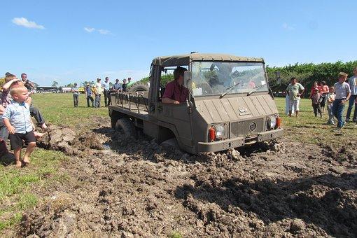 Pinzgauer, Offroad, Stuck, Mud, People, Demonstration