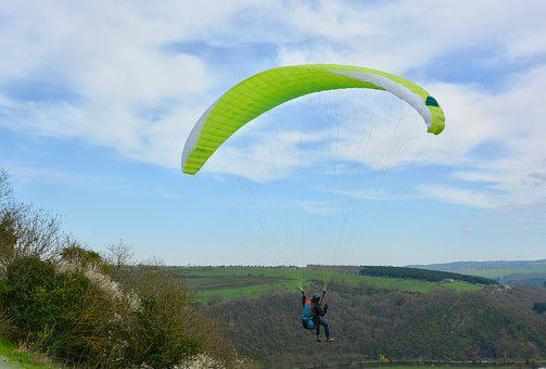 Paragliding, Take-off Of A Cliff