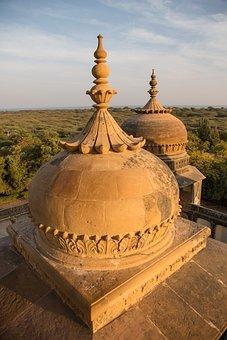 Vijaya Vilas Palace, Jadeja Rajas Of Kutch