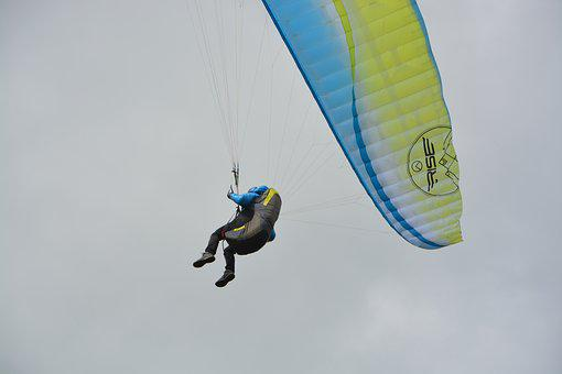 Harness Paragliding, Paraglider