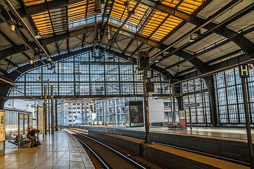 Berlin, Station Friedrichstraße, Train, Within