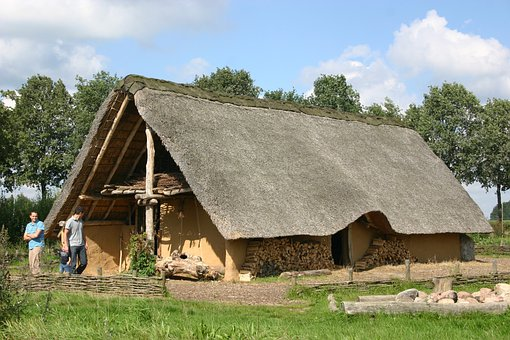 Prehistoric House, House Hunebedbouwers, Dolmens