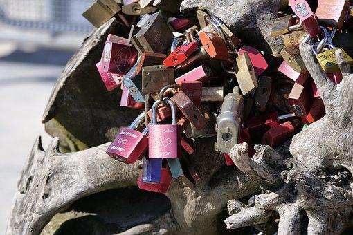Love Castle, Castle, Love, Liebesbeweis, Padlocks, Ball
