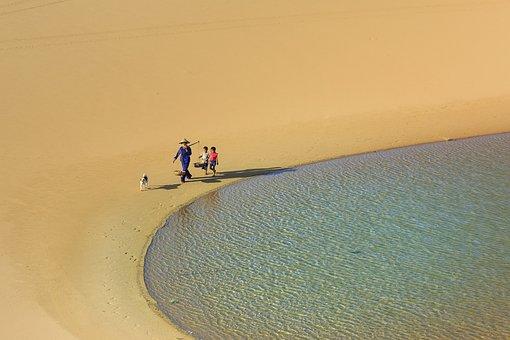 Sand, The Hat, Women, Frame, Child, Tre, Vietnam