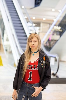 Girl, Woman, Shopping, Airport, Shop, Shopping Center