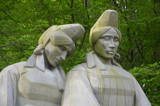 Monument To The Breton, Pain Of Women Sailors