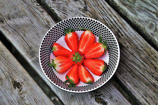 Strawberries, Plate, Dots, The Bowl, Dessert, Red, Fit