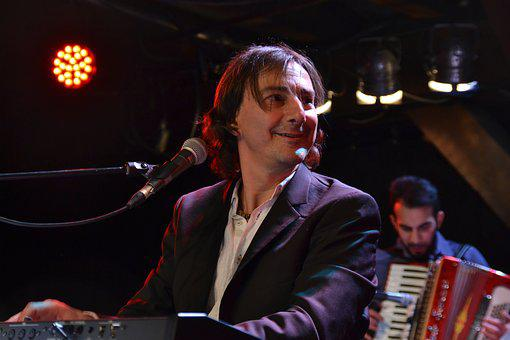 Pippo Pollina, Pollina, Human, Music, Performance