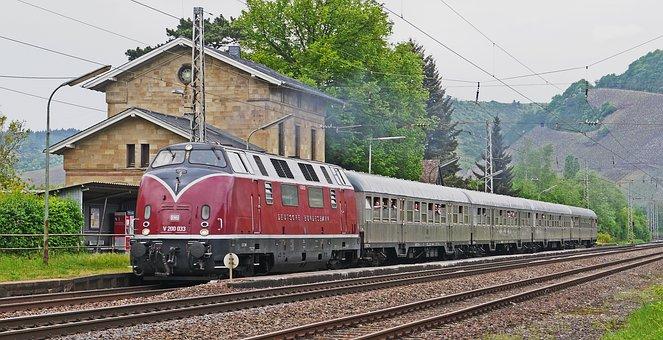 Diesel Locomotive, Historically, V200, V 200