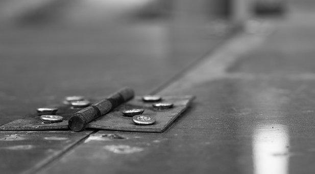 Joint, The Screws, Depth Of Sharpness, Atmosphere