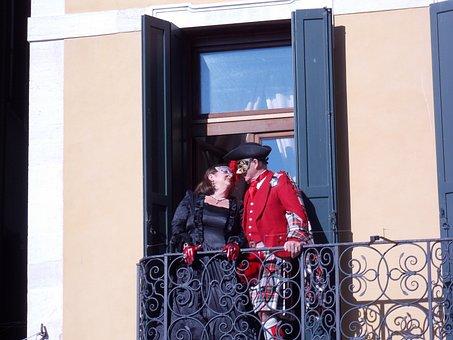 Carnival, Venice, Kiss
