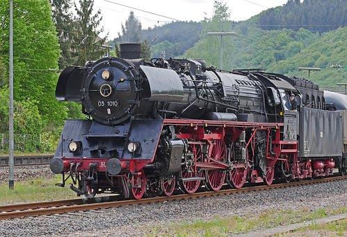Steam Locomotive, Express Train, Three Cylindrical