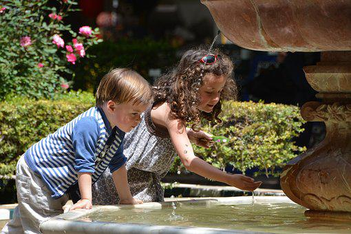 Child, Outdoor, Game, Fountain, Pushover, Spain