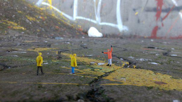 Road Construction, Graffiti, Miniature Figures, Repair