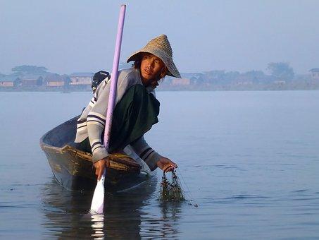 Lake Inle, Burma, Fishermen, Dawn, Fog, Boat