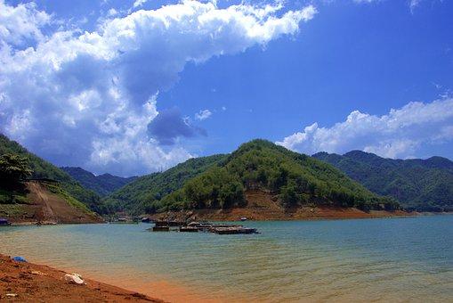 Viet Nam, Reservoir
