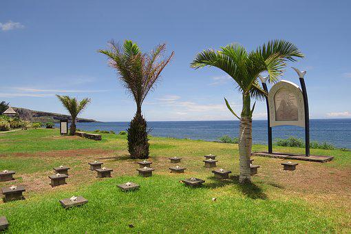 Marine Cemetery, Palm Trees, The Meeting, Sea