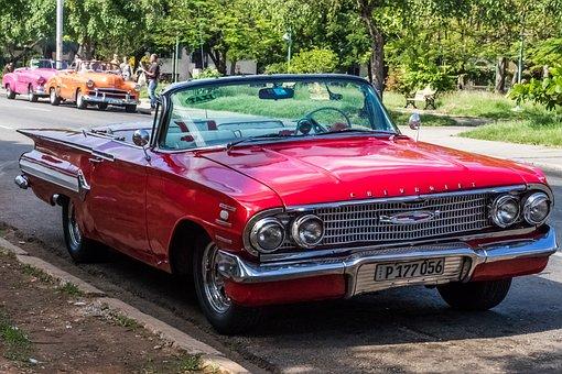 Cuba, Havana, Vedado, Parque John Lennon, Chevrolett