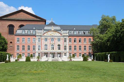 Kurfürstliches Palais, Trier, Rococo