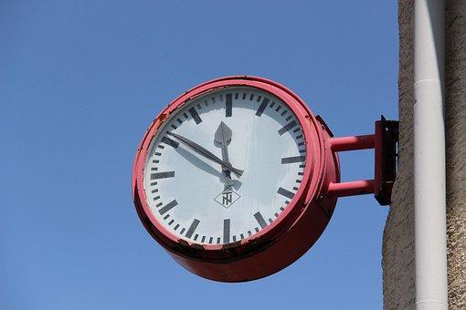Clock, Time Of, Sky, Five Vorzwölf, 5 Vor 12, Red