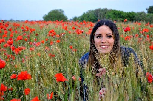 Girl, Poppies, Salento, Wheat