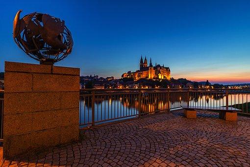 Meissen, Elbe, Albrechtsburg Castle, Mirroring, Night
