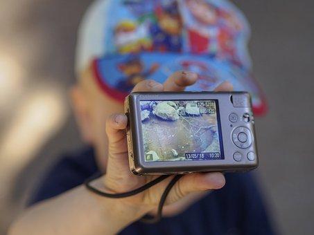 Child, Showing, Photo, Camera, Photography, Image