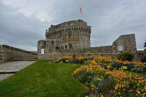 Castle Of Dinan, Côte D'armor Bretagne, France