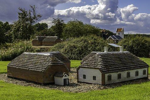 Daubjerg Minilandsby, Miniature, Nearby Attraction